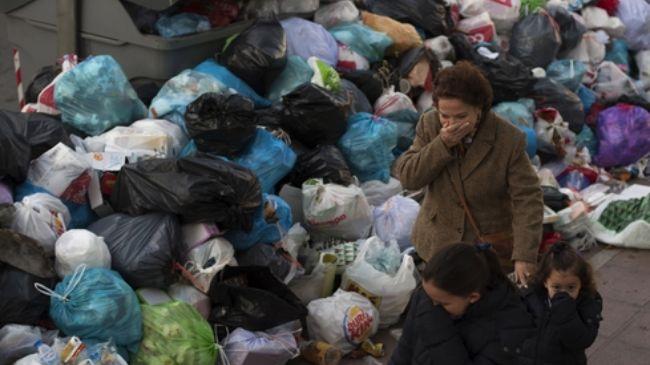 333915_Spain-Garbage-Strike