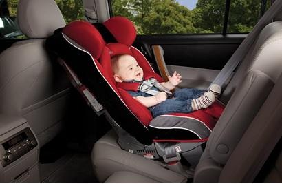 Pericolul din scaunul auto pentru copii