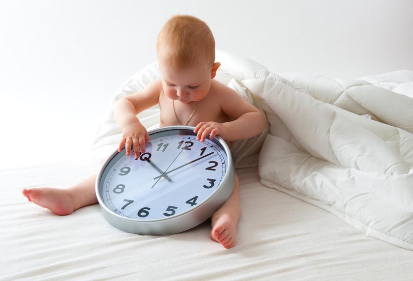 Kind mit der Uhr