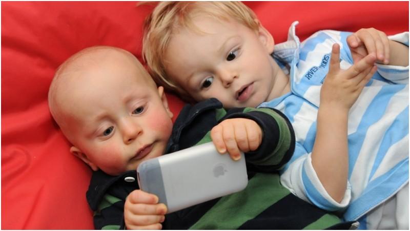 copiii la ecrane