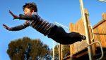 30 de lucruri periculoase pe care sa-l lasi pe copilul tau sa le faca