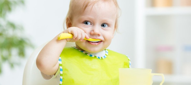 Diversificarea: doua carti despre  alimentatia copilului tau in primul an pe care trebuie sa le citesti