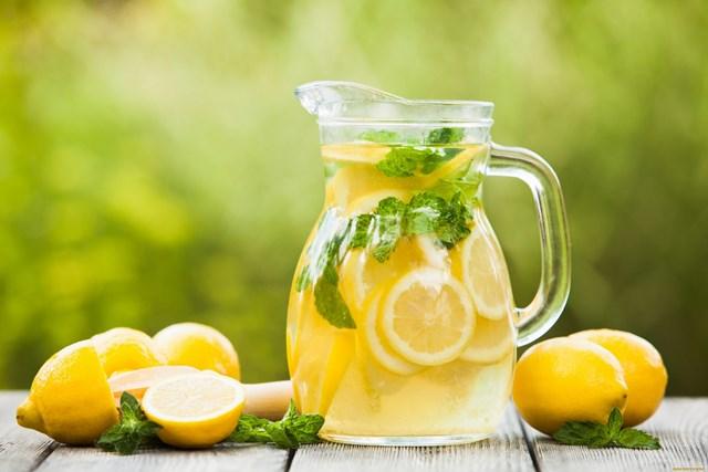 Sirop de limonada pentru verile caniculare