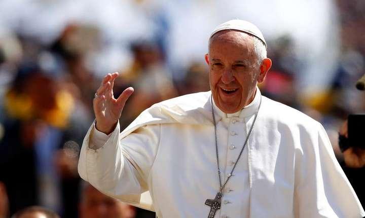 Papa Francisc viziteaza Romania. Pelerinii care vor sa-l vada trebuie sa se inregistreze pe internet.