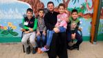 """Un preot din Urlați a devenit """"tată"""" pentru 30 de copii săraci din comunitatea parohială de care se îngrijește"""