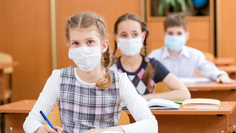 Stimați părinți! Sănătatea copiilor e mai presus de orice! Luptați pentru asta. Conținuturile școlare se pot recupera. Viața și sănătatea, NU!
