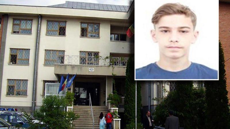 Poliția caută un băiat de 14 ani, din Câmpina, dispărut de la domiciliu