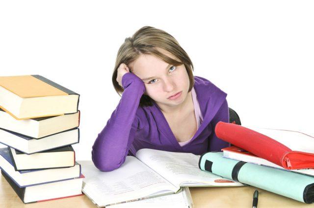 Examene = stres + epuizare fizica si psihica. Cum ne poate ajuta homeopatia
