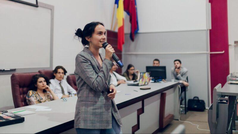 """Antonia PUP, presedintele Consiliului National al Elevilor, a luat media 10 la BAC: """"Nu am pus capul in pamant si n-am facut compromisuri"""""""