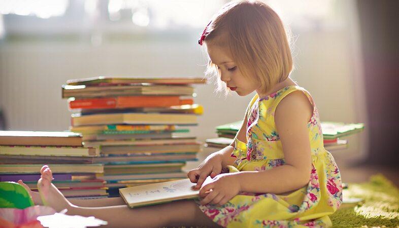 Un copil care crește într-o casă în care nu există cărți, evident că nu va avea bucuria întîlnirii cu cărțile