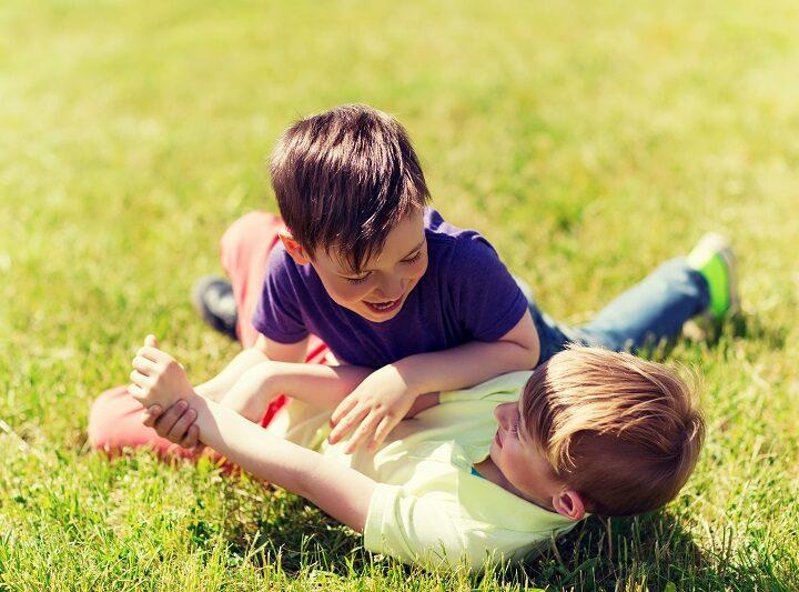 Dacă nu-i învățăm pe băieții noștri cum să fie curajoși, onești și buni, atunci ei nu se vor simți niciodată reali