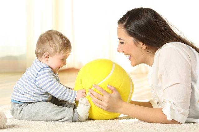 Dacă ai devenit mamă, nu înseamnă că nu mai ești femeie