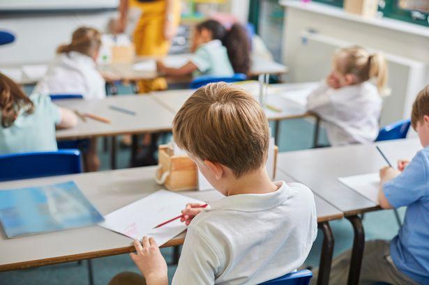 În majoritatea școlilor din țară există cazuri de Covid nedepistate