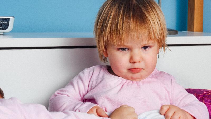 Cum să disciplinezi un copil mic